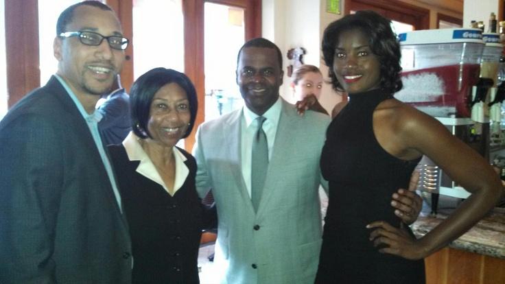 (l-r) Kevin L. Nichols, Billie Nichols, Mayor Kasim Reed, Tyra Fennell